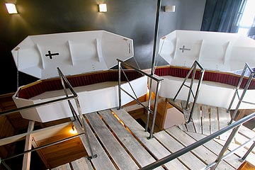 lit cercueil hotel