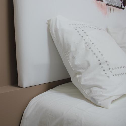 retour sur notre premi re commande de t te de lit myquintus. Black Bedroom Furniture Sets. Home Design Ideas