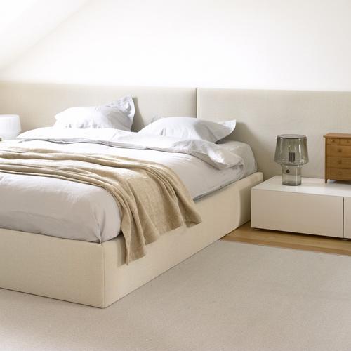 tendance d co la t te de lit blanche pour une chambre lumineuse myquintus. Black Bedroom Furniture Sets. Home Design Ideas
