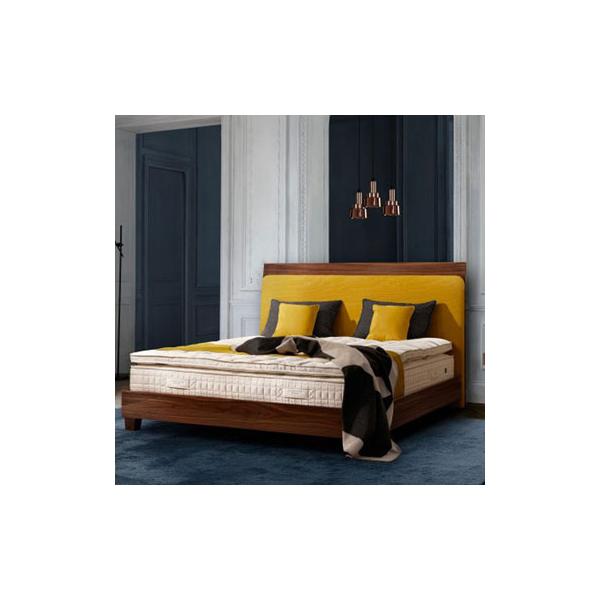 Levez-vous du bon pied avec ces têtes de lit parées de jaune