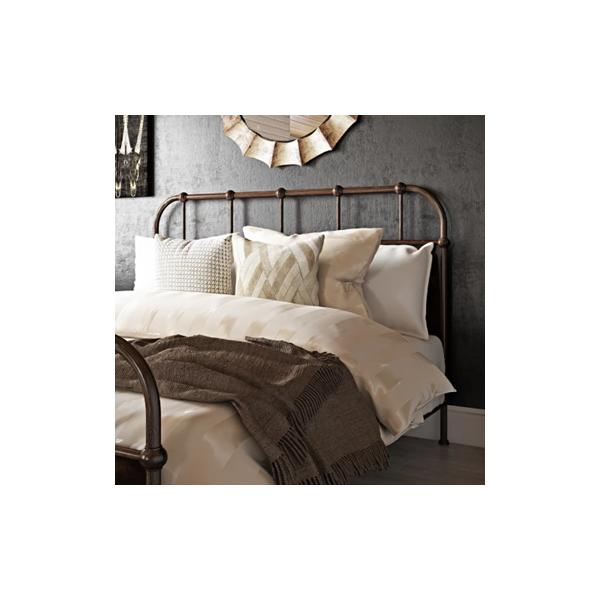 Têtes de lit en métal: notre sélection tendance pour renouveler la déco de sa chambre