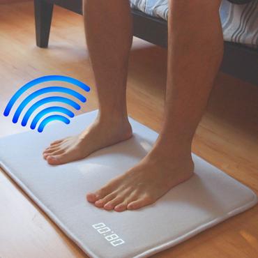 ruggie le tapis connect pour se lever du bon pied myquintus. Black Bedroom Furniture Sets. Home Design Ideas